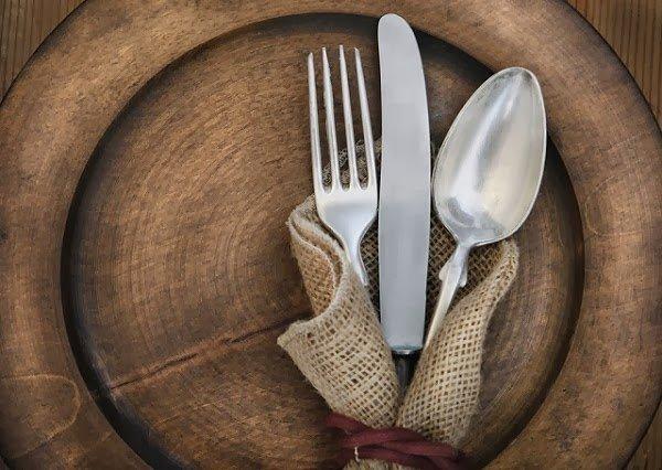 plato-cubiertos