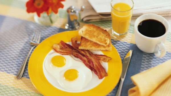 desayuno-con-huevos