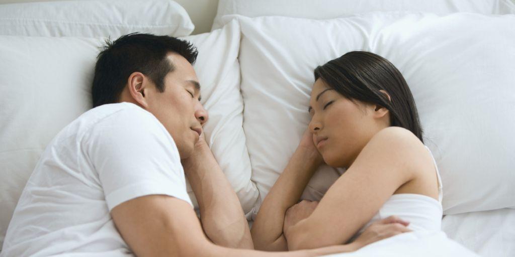 pareja-durmiendo1
