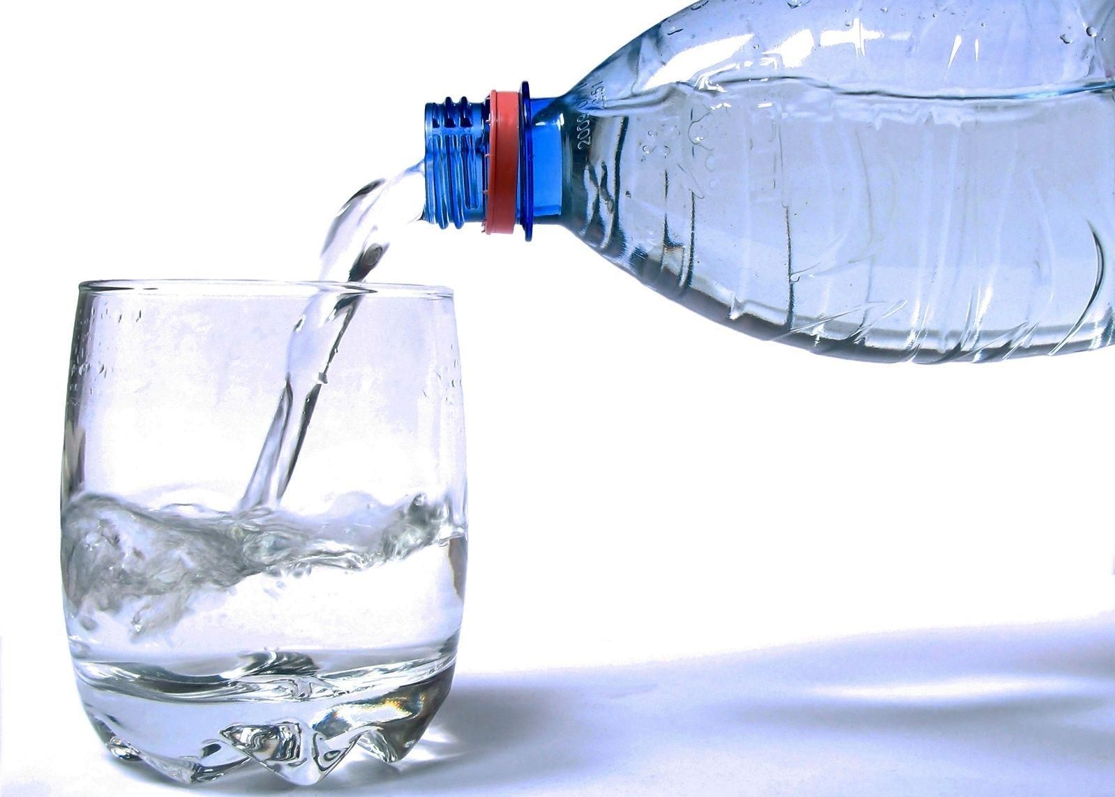 botella-vaso-agua