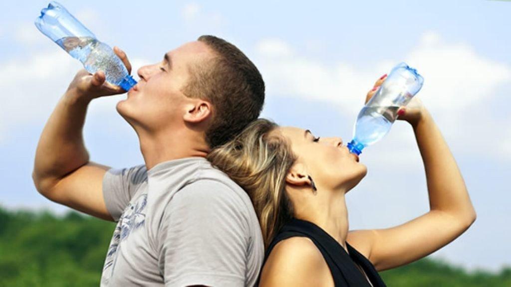 Resultado de imagen para beber agua
