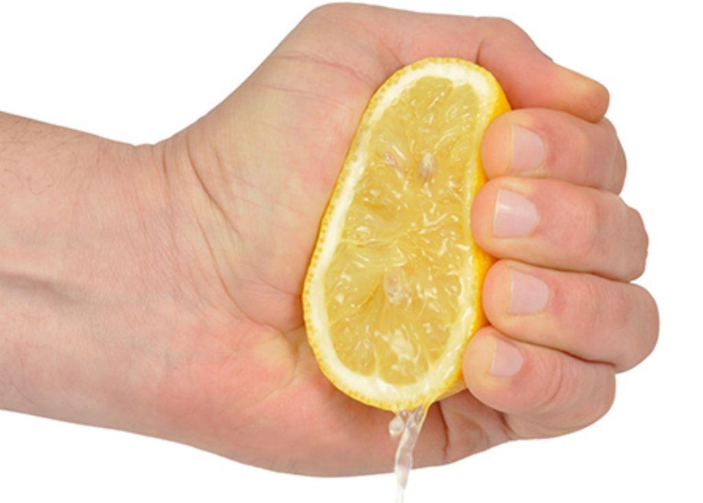 estrujar-limon