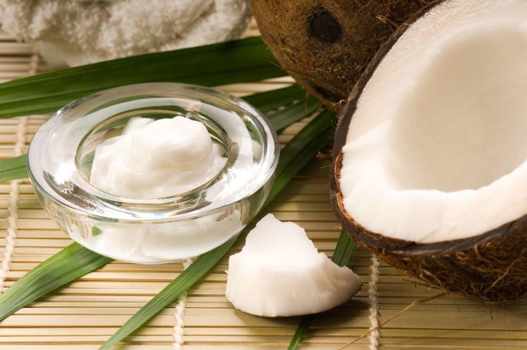 cuenco de aceite de coco