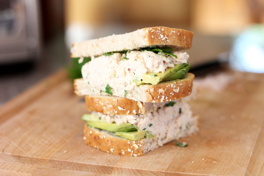 sandwich de atun y palta