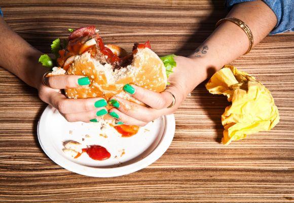 , 7 comidas que engordan y dañan al organismo