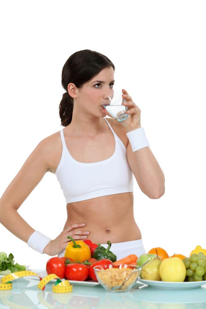 mujer frutas verduras