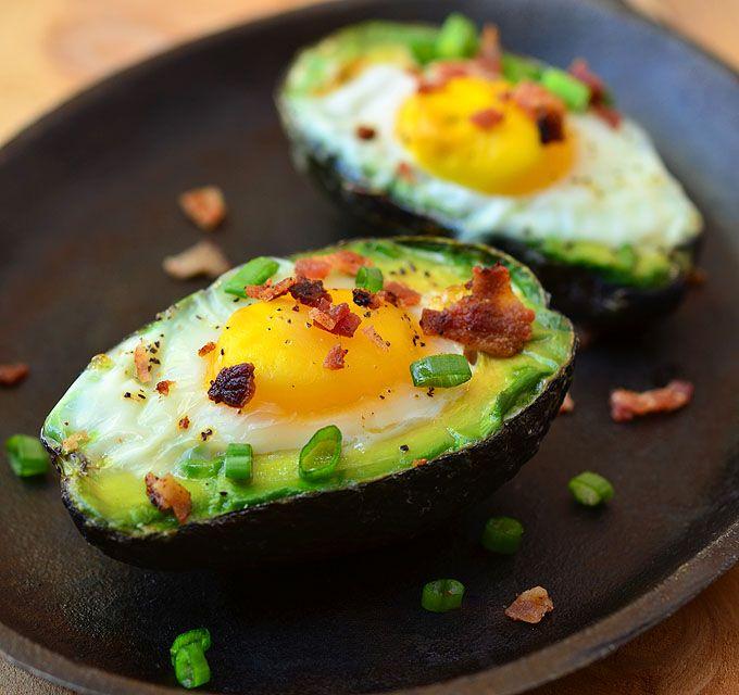 paltas con huevos