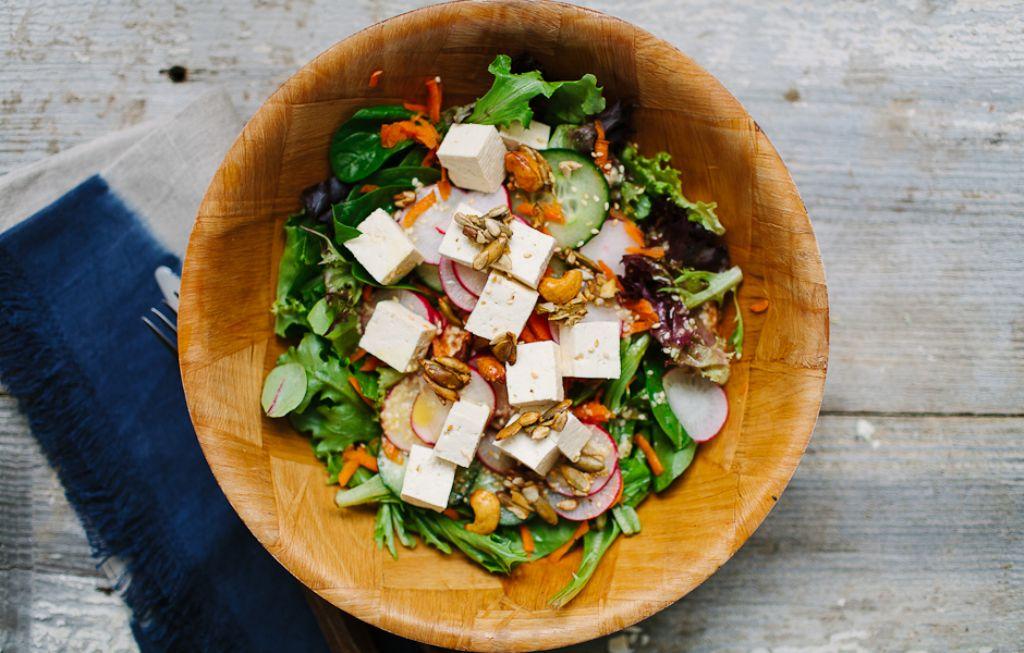 ensalada-tofu