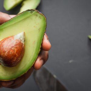 ¿Cómo comer aguacate de manera saludable?