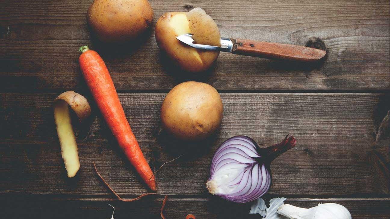 ¿Se deben pelar las frutas y las verduras?