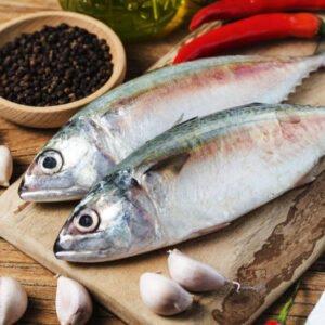 ¿Cuáles son las ventajas y riesgos de comer pescado?