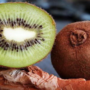 10 beneficios del kiwi para la salud demostrados por la ciencia